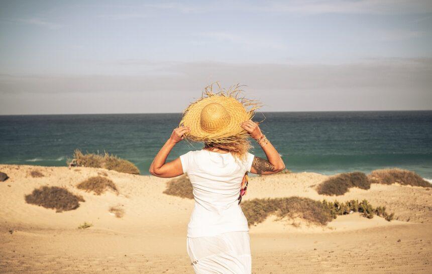 Jaka tkanina na sukienkę sprawdzi się najlepiej na lato?